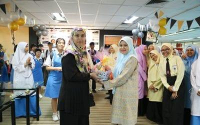 Lawatan Daripada SMK Permas Jaya