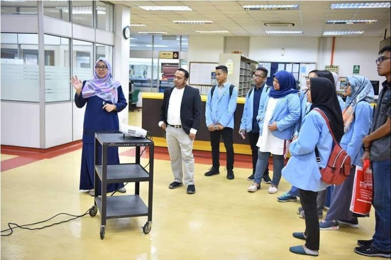 Perpustakaan UTM KL Terima Kunjungan Mahasiswa Universitas Riau